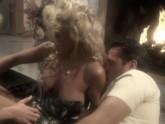 Blonde On Blonde 01, Scene 5