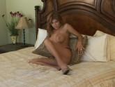 Lisa Daniels Solo 01