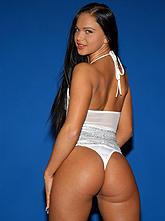 Порно актриса кристина белла, увеличенный клитор видео